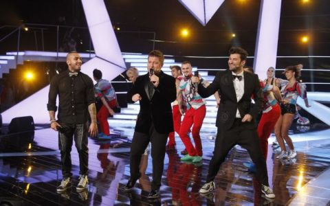 Pavel Bartos, superstar! S-a lansat in muzica si a cantat LIVE ultimul hit al lui Smiley si-al lui Alex Velea