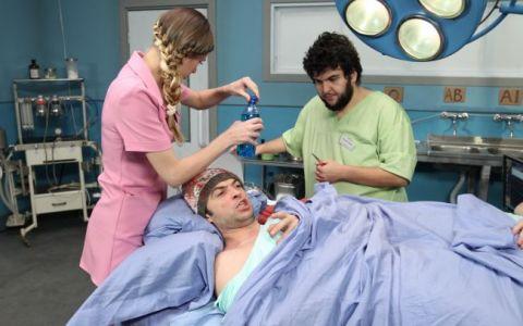 Catalin Neamtu este anesteziat cu spray paralizant, azi, de la 21:30, intr-un nou episod din serialul  Spitalul de dementa