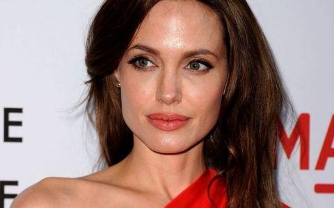 Angelina Jolie se pregateste de o noua operatie:  Vreau sa am o viata lunga si sanatoasa . Ce decizie grea a luat actrita