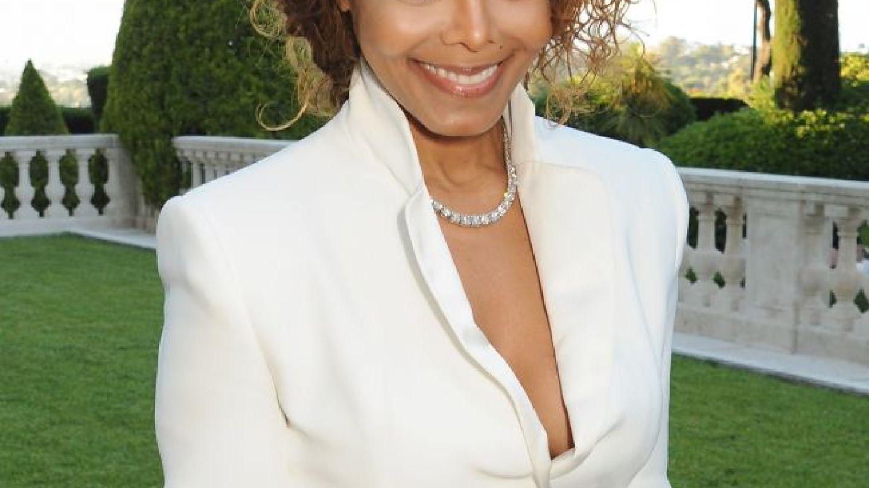 Cantareata Janet Jackson a devenit miliardara