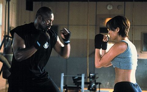 Jennifer Lopez se lupta pentru propria-i viata, iar Uma Thurman isi duce razbunarea la capat, diseara la ProTV