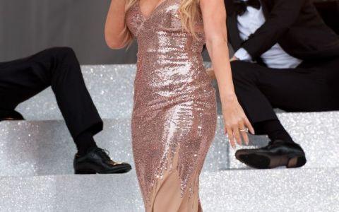 A plesnit rochia pe ea in timpul unui interviu. Cum s-a facut de ras Mariah Carey in direct la TV: clipul e viral acum pe YouTube
