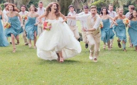 Cea mai amuzanta fotografie de nunta. Ce au vazut mirii si invitatii de fug cat ii tin picioarele
