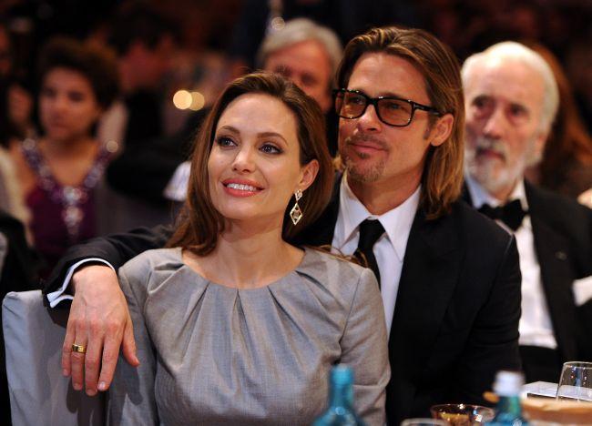 Angelina Jolie, prima aparitie publica pe covorul rosu dupa operatia de dubla mastectomie. FOTO