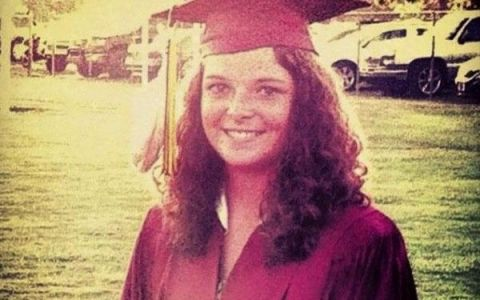 ASA a venit imbracata o eleva la ceremonia de absolvire. De ce a fost amendata cu 1.000 de dolari. FOTO
