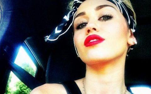 Se infiripa ceva? Cu ce cantaret celebru a plecat Miley Cyrus de la o petrecere, dupa ce au flirtat in vazul tuturor