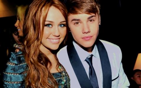 Nimeni nu se astepta la asta! Raspunsul surprinzator al lui Miley Cyrus la intrebarea:  Ai o relatie cu Justin Bieber?