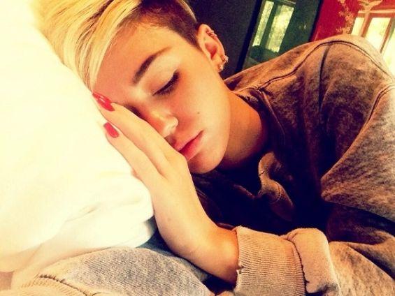Miley Cyrus, ingrijorator de slaba. Imaginile care i-au alertat pe fanii tinerei cantarete