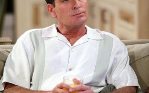 Charlie Sheen a devenit pentru prima data bunic. Fiica cea mare a actorului a nascut o fetita