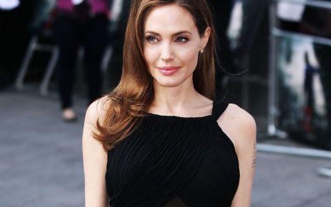 Angelina Jolie, pe covorul rosu intr-o rochie fara sutien. Cum arata actrita dupa operatia de dubla mastectomie