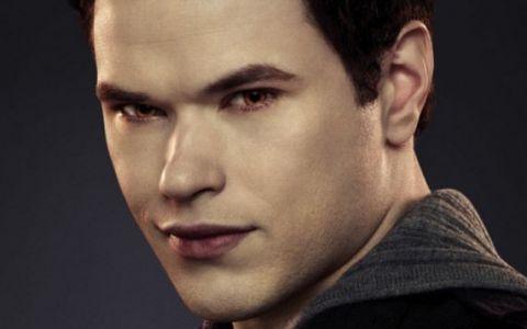 Kellan Lutz, de la rolul de vampir in  Twilight  la cel din  Hercule 3D . La ce transformare spectaculoasa si-a supus corpul