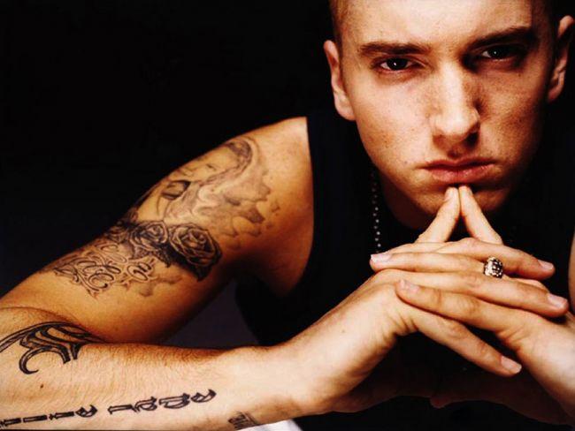 Eminem a lansat o piesa noua. Da-i PLAY si spune cum ti se pare