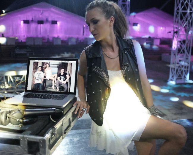 """Radu Valcan, special guest star in noul clip DJ Project si Adela Popescu - """"Fara tine"""""""