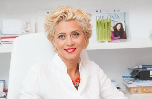 """Din 15 septembrie, dr. Anca Vereanu va fi """"Doctorul casei"""" la Acasa TV. Afla detalii despre o noua emisiune"""