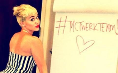 Dovada incontestabila ca Miley Cyrus este un exemplu prost. Ce pedeapsa a primit o fata de 11 ani pentru ca a dansat la scoala ca vedeta