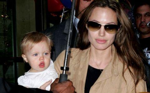 Are 7 ani si deja e un fel de Brad Pitt in miniatura. E incredibil cat de mult seamana fetita Angelinei Jolie cu celebrul ei tata