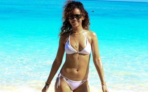 Mos Craciun a venit mai devreme la Rihanna. Cu ce cadouri exorbitante se lauda cantareata pe internet