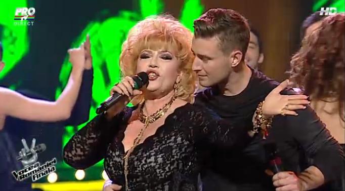 """Cel mai amuzant moment din finala """"Vocea Romaniei"""". Ce-a facut Corina Chiriac pe scena: zambesti cu gura pana la urechi! VIDEO"""