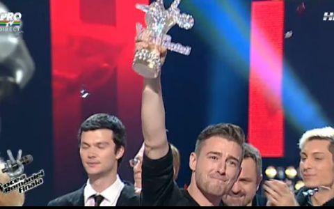 A plecat acasa cu marele trofeu si cu premiul de 100.000 de euro! Cine este Mihai Chitu, castigatorul de la  Vocea Romaniei