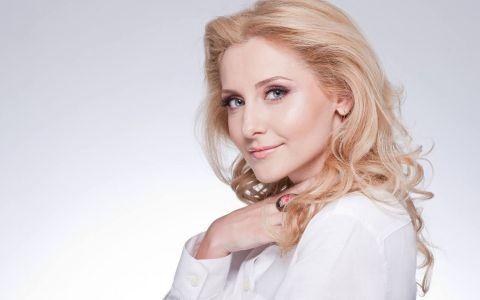 Alina Sorescu a devenit mamica. Vedeta a nascut duminica dimineata o fetita de nota 10
