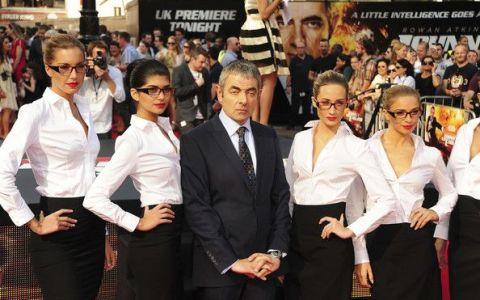 Mr. Bean si femeile superbe din viata lui. Cum arata frumoasa sotie a lui Rowan Atkinson, pe care fiica sa o mosteneste intru totul