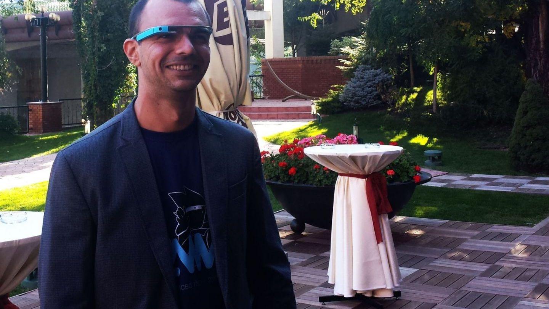 El este primul programator din lume care a scris un joc  pentru Google Glass: Andrei Urucu povesteste despre  cum poti face bani dintr-o aplicatie