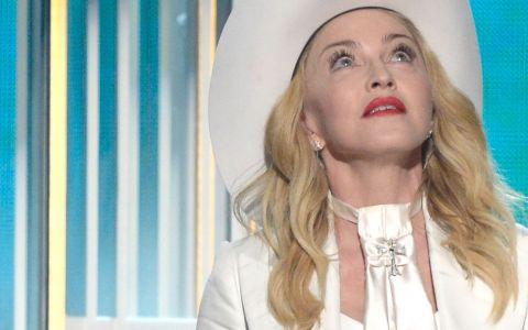 Madonna a purtat la gala Grammy un corset din colectia Murmur, un brand al romancei Andreea Badala