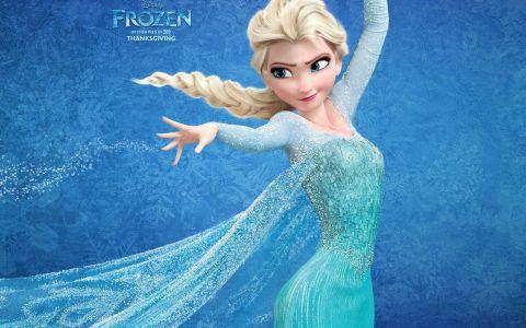 Elsa din  Frozen  exista si in realitate. Cine e tanara care a petrecut zile intregi pentru a arata exact ca personajul