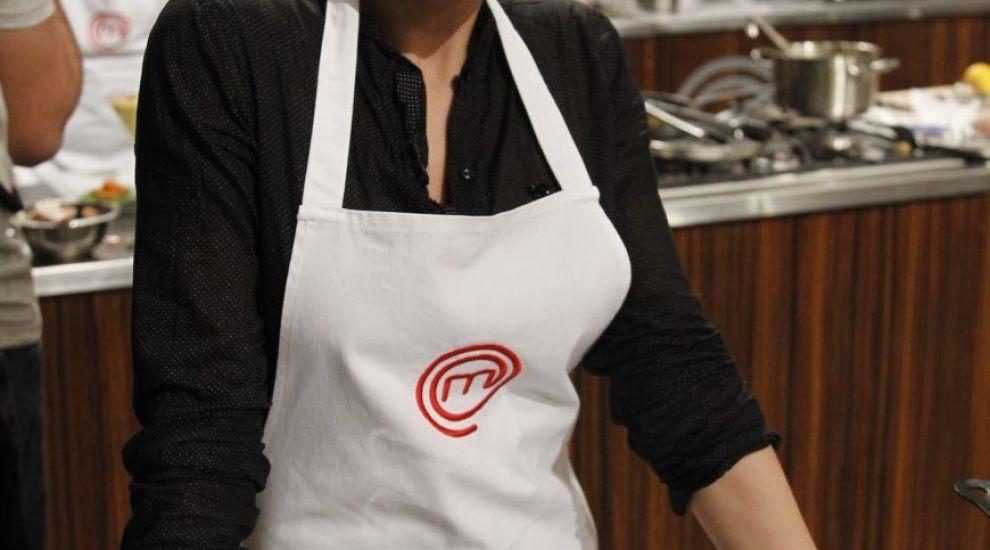"""Nicoleta Matea,'casnica' din al doilea sezon """"MasterChef"""", goala-pusca pentru prima data intr-un pictorial. Cum a reactionat sotul ei"""
