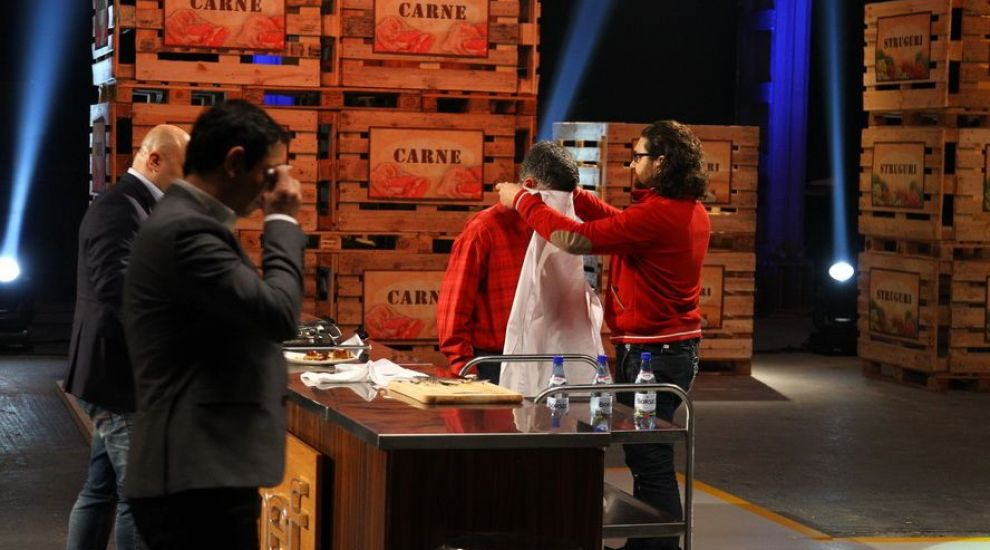"""Premiera la """"MasterChef"""": Concurentul care i-a facut pe cei trei jurati sa planga si care a oferit un exemplu aspirantilor la un loc in show"""