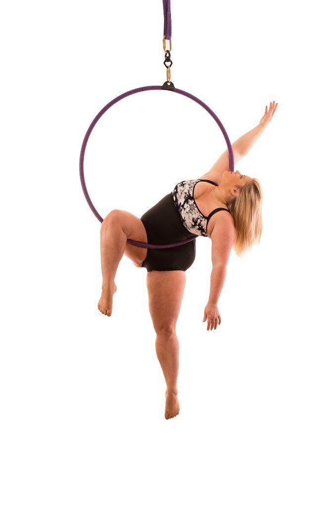 Emma Haslam, dansatoarea la bara de la Britain s Got Talent, vine astazi, de la 17.30, La Maruta!