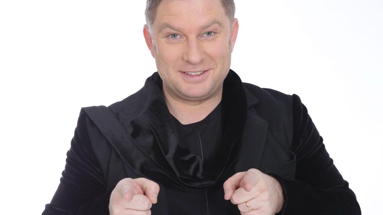 Pavel Bartos, pentru a 250-a oara imbracat in aceleasi haine in piesa de teatru Gaitele
