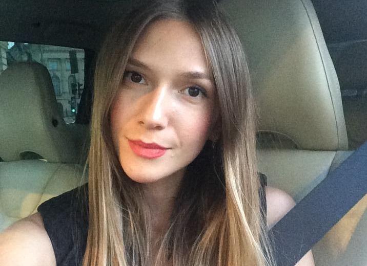 Adela Popescu, un nou single alaturi de DJ Project. Fanii au observat cu totul altceva in cele mai recente imagini