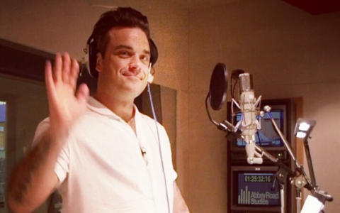 Cantaretul Robbie Williams a devenit din nou tata, dupa ce sotia sa a nascut un baietel - VIDEO