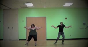 A fost anorexica in liceu, dar acum a ajuns sa cantareasca 172 de kilograme. Filmuletele ei au cucerit internetul