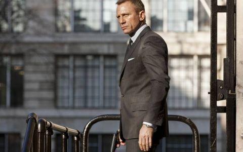 El este unul dintre cei mai doriti barbati ai planetei. Cum arata insa sotia? Vezi imagini cu partenera din viata reala a lui James Bond