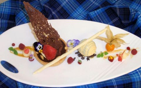 O romanca a gatit deserturi pentru Regina Marii Britanii si pentru cele mai in voga vedete