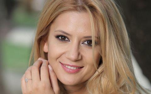 Amalia Enache trece pentru o seara de la pupitrul Stirilor PRO TV pe scena Ateneului Roman