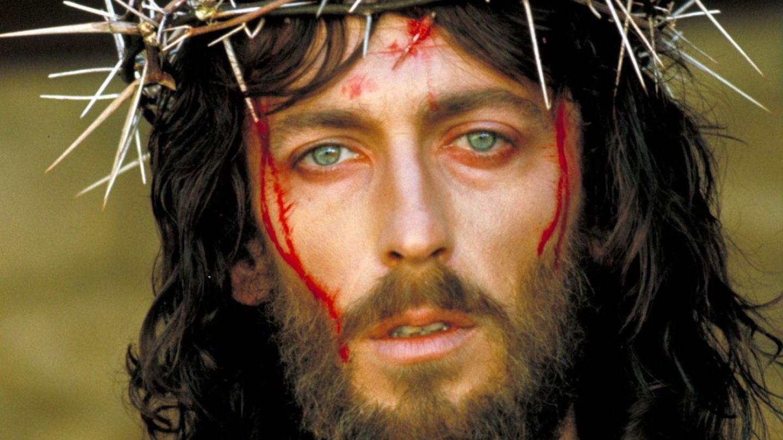 Cum arata acum actorul din Iisus din Nazaret. Robert Powell, la 42 de ani de la aparitia filmului lui Franco Zeffirelli