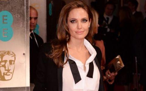 Angelina Jolie, de la tanara zbuciumata a Hollywood-ului la cea mai puternica si celebra actrita din lume