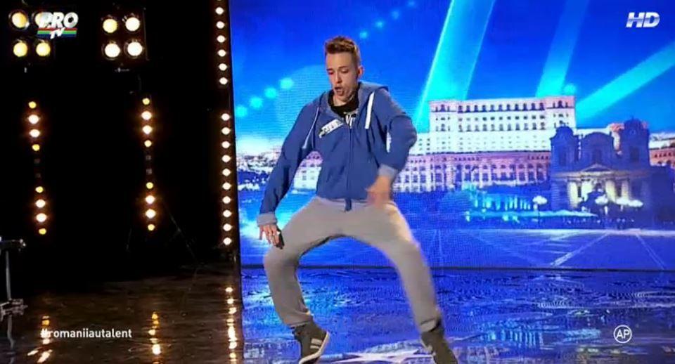 El are oase?  El este cel mai talentat dansator de freestyle care a urcat pe scena de la  Romanii au talent