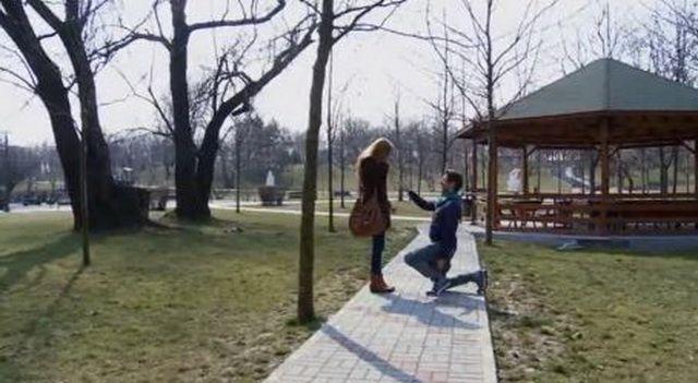 Urmau sa se casatoreasca, insa ea s-a indragostit de alt barbat. Finalul trist al unei povesti de dragoste