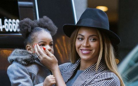 Beyonce, o mamica mandra de fetita ei. Cat de mult a crescut Blue Ivy si cu cine seamana