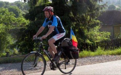 El este romanul care va parcurge 3.000 de km pe o bicicleta ca sa-si promoveze cauza: Cu ce se ocupa de fapt omul