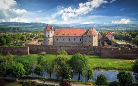 Anul trecut il numeau  al doilea cel mai frumos castel din lume ! Uite ce titlu a primit anul acesta Cetatea din Fagaras