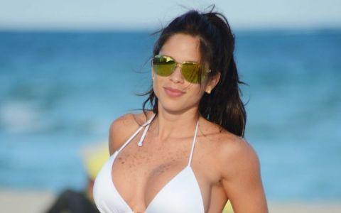 Aparitia ei pe plaja a incins atmosfera. Michelle Lewin s-a facut remarcata cu un costum de baie minuscul