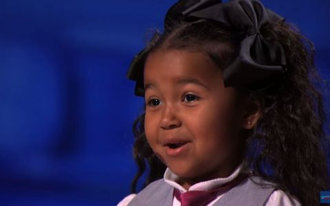 O fetita de doar 5 ani a lasat fara cuvinte juriul de la  America s Got Talent . Vezi un moment magic - VIDEO