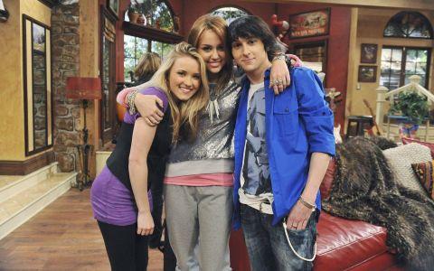Lily din  Hannah Montana  e femeie in adevaratul sens al cuvantului. Cum arata ACUM actrita la 23 de ani