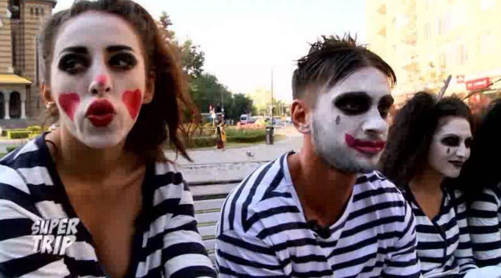 Dorian Popa si Ruby s-a costumat in mimi si au sustinut reprezentatii in plina strada. Nimeni nu i-a recunoscut