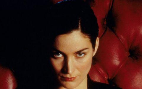 Au trecut 16 ani de cand a interpretat pentru prima data rolul lui Trinity din Matrix. Cum arata acum Carrie-Anne Moss